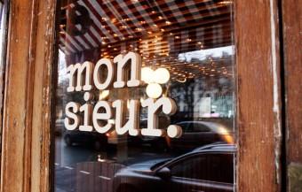 Restaurant Monsieur – Enseigne